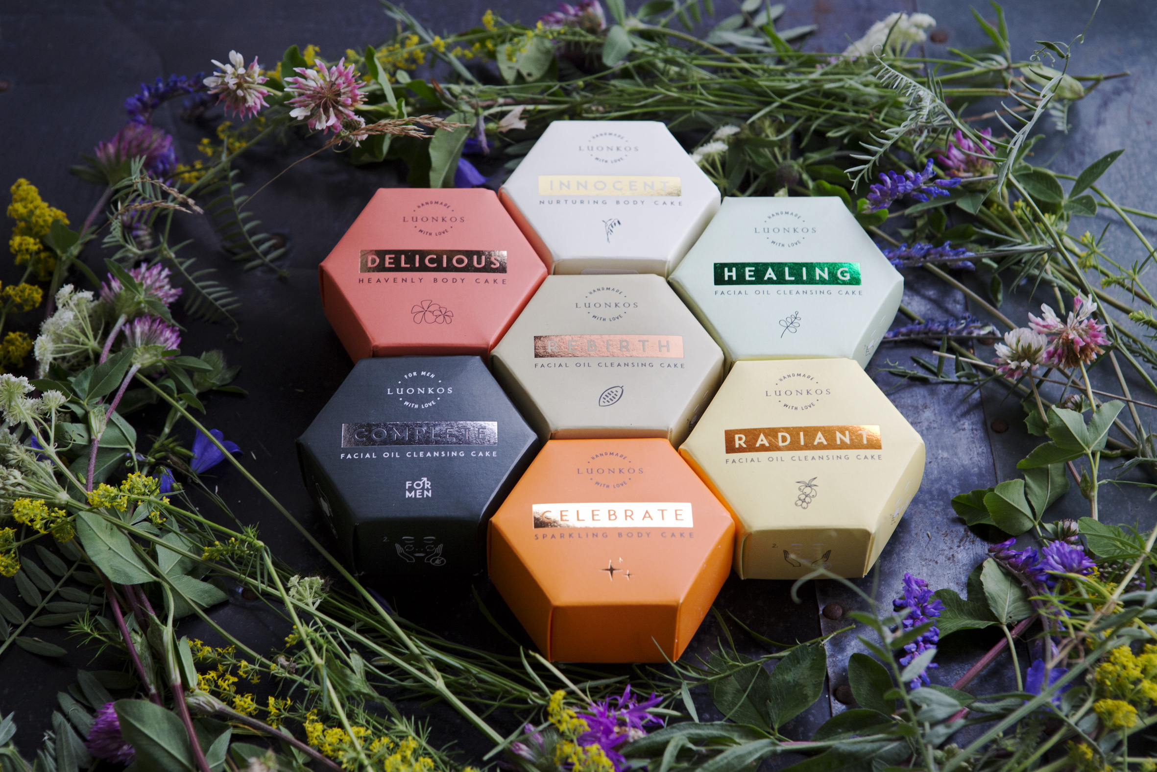 luonkos-facial-oil-cleansing-cakes-healing-rebirth-radiant-complete-skincare-innovation-nordic-natural-beauty-awards-winner